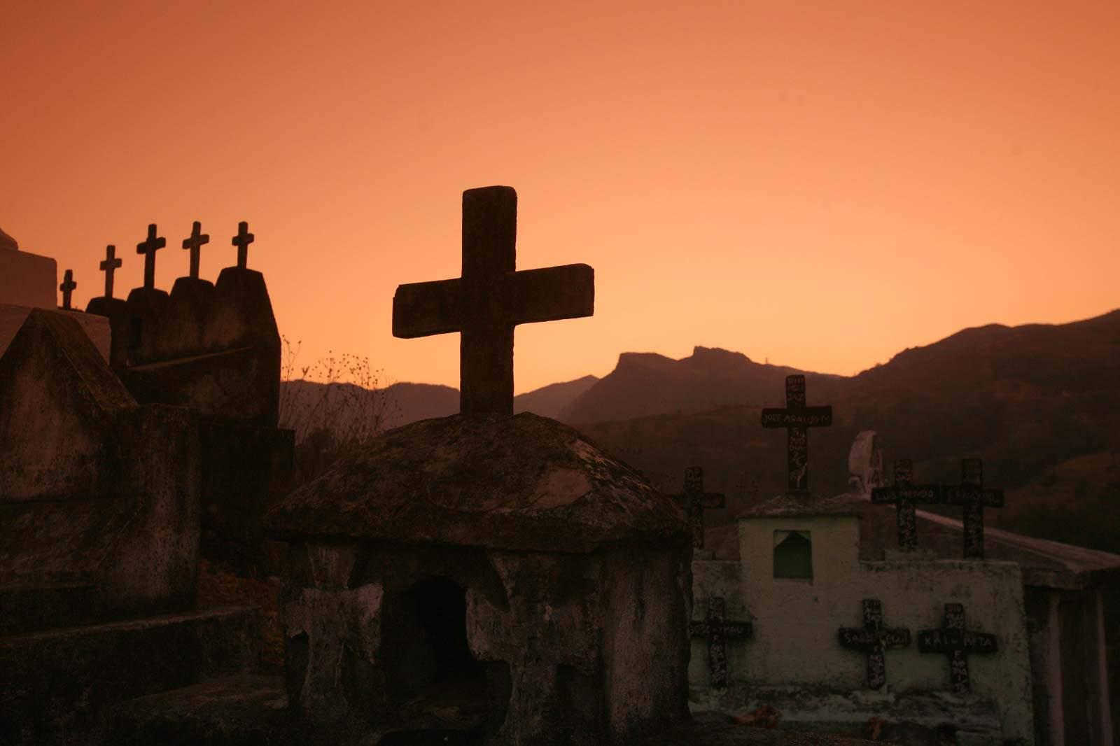 Cemitério em Maubisse, Timor-Leste