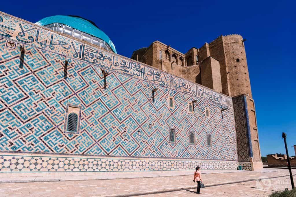Besuch in Turkistan: Mausoleum von Khoja Ahmed Yasawi