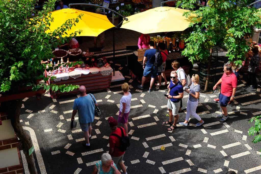 Turistas no Mercados dos Lavradores