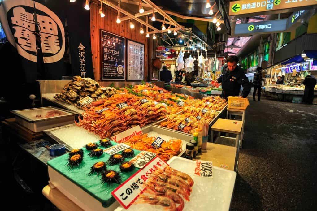 O que fazer em Kanazawa: visitar Mercado Omicho