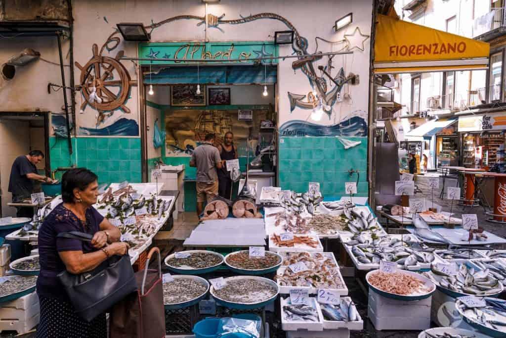 O que fazer em Nápoles: visitar Mercado Pignasecca