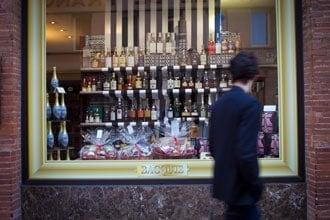 Rua de toulouse, em frente a mercearia gourmet