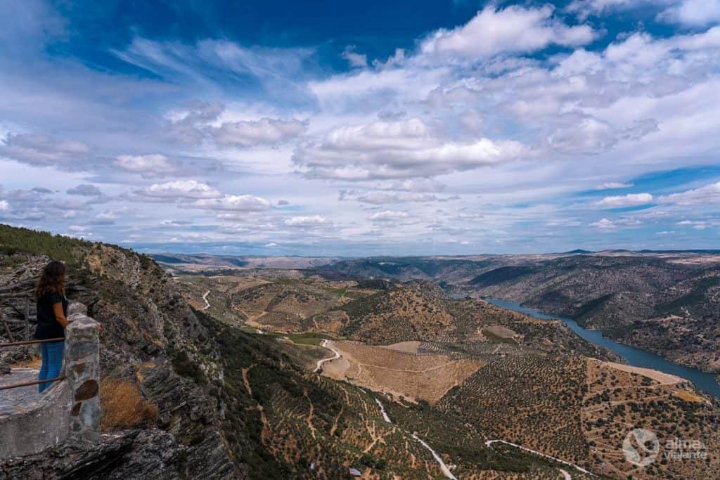 Miradouro de Penedo Durão, no Parque Natural do Douro Internacional