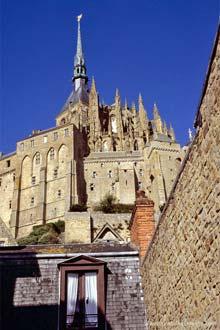Abadia e torre gótica de Mont Saint-Michel