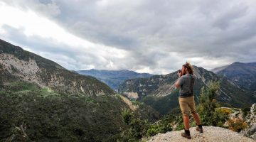 Explorando as montanhas da Albânia (vigiado por traficantes nas plantações de cannabis)