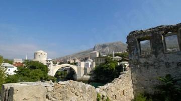 Mostar, reerguida sobre os escombros da ponte velha