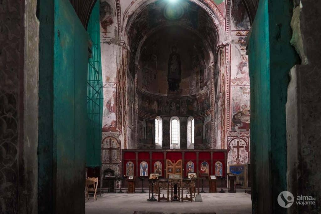 Catedral da Virgem, Gelati