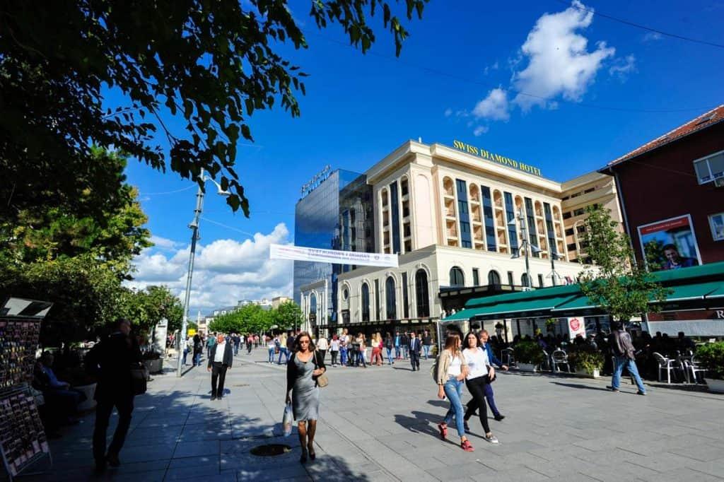 Mother Tereza Boulevard, Pristina