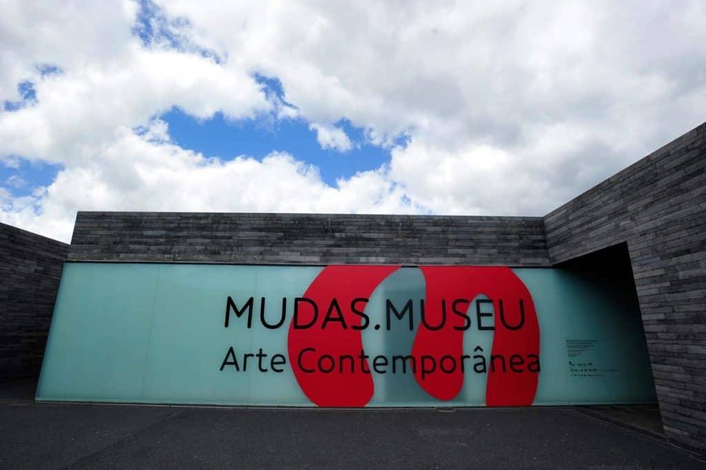 mudas-museu-arte-contemporanea
