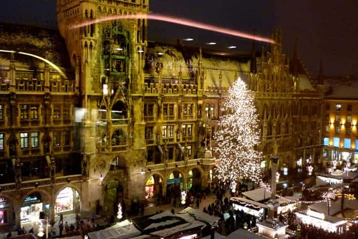 Mercado de Natal em Marienplatz, Munique