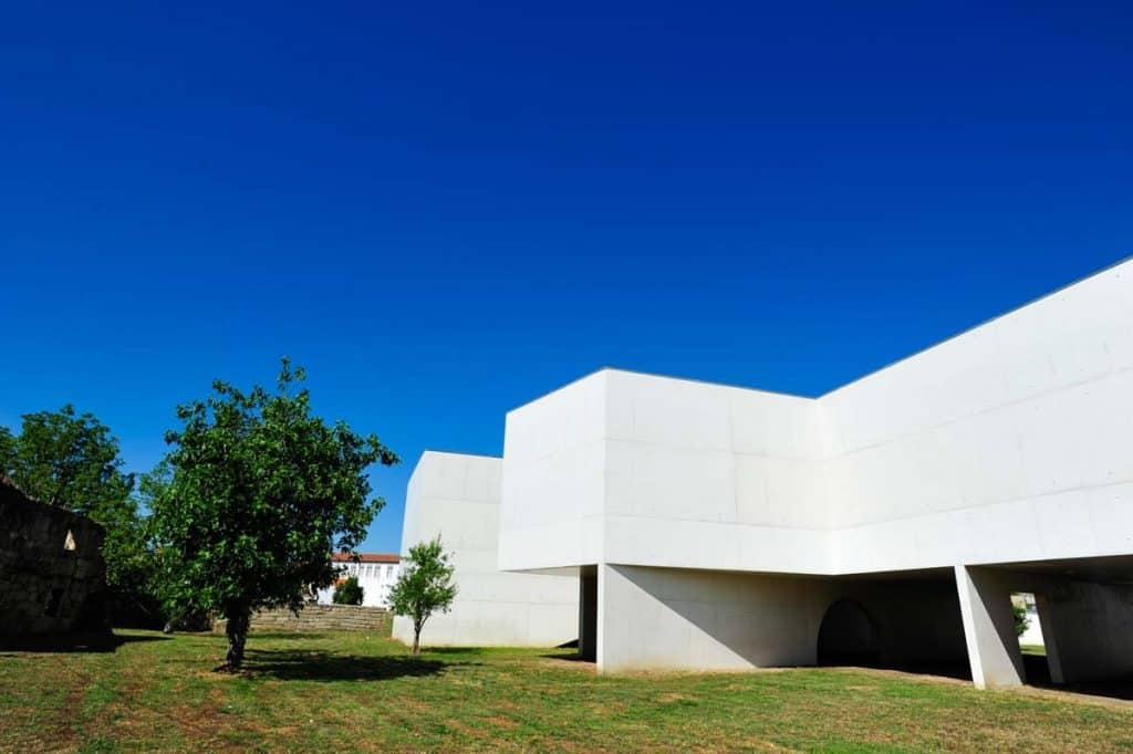 Traseiras do Museu Nadir Afonso