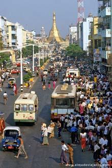 Centro de Yangon, antiga capital de Myanmar