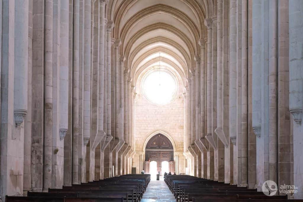 Nave central do Mosteiro de Alcobaça