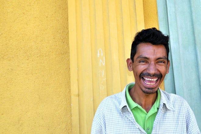 A simpatia dos nicas bem expressa na face de um habitante de Granada