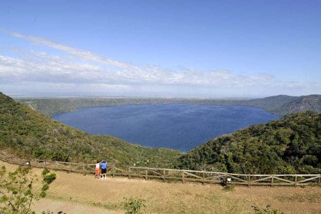 Lagoa Apoyo vista a partir do miradouro de Catarina