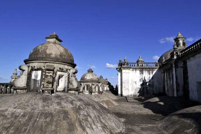 Pormenor do telhado da Catedral de León