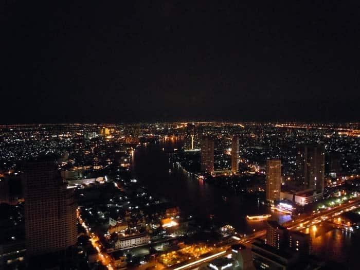 Vista noturna de Banguecoque