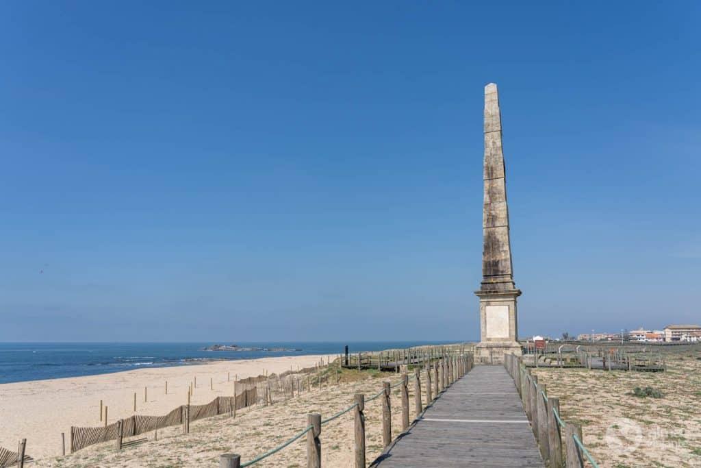 Obelisco da Memória, na praia da Mamória, Matosinhos