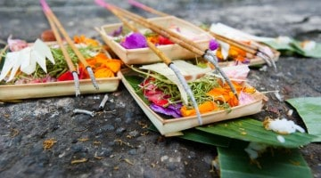 Tilboð til hindu hinna guðanna, Bali