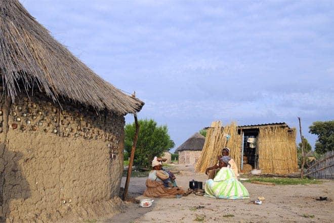 Village nálægt Delta, nálægt landamærum Namibíu