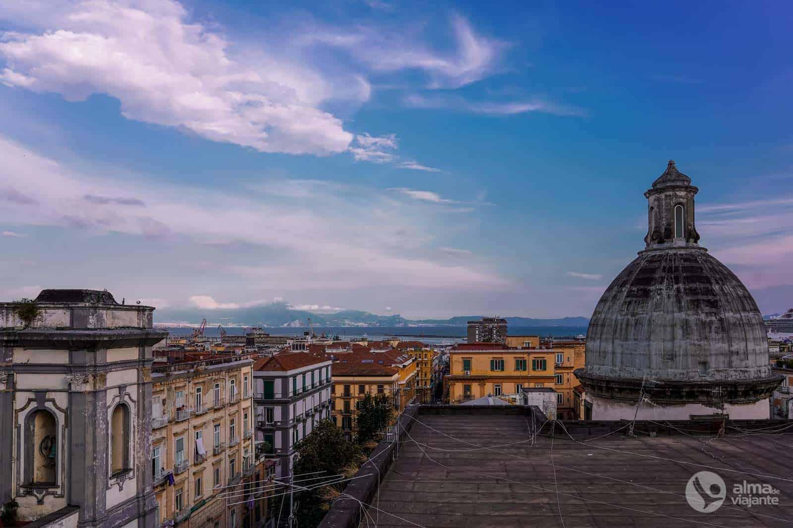 Kur nakšņot Neapolē