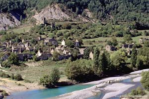 Aldeia abandonada perto de Aínsa
