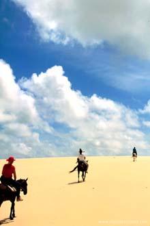 Nas dunas da ilha Grande de Santa Isabel, local onde se avista o delta do Rio Parnaíba
