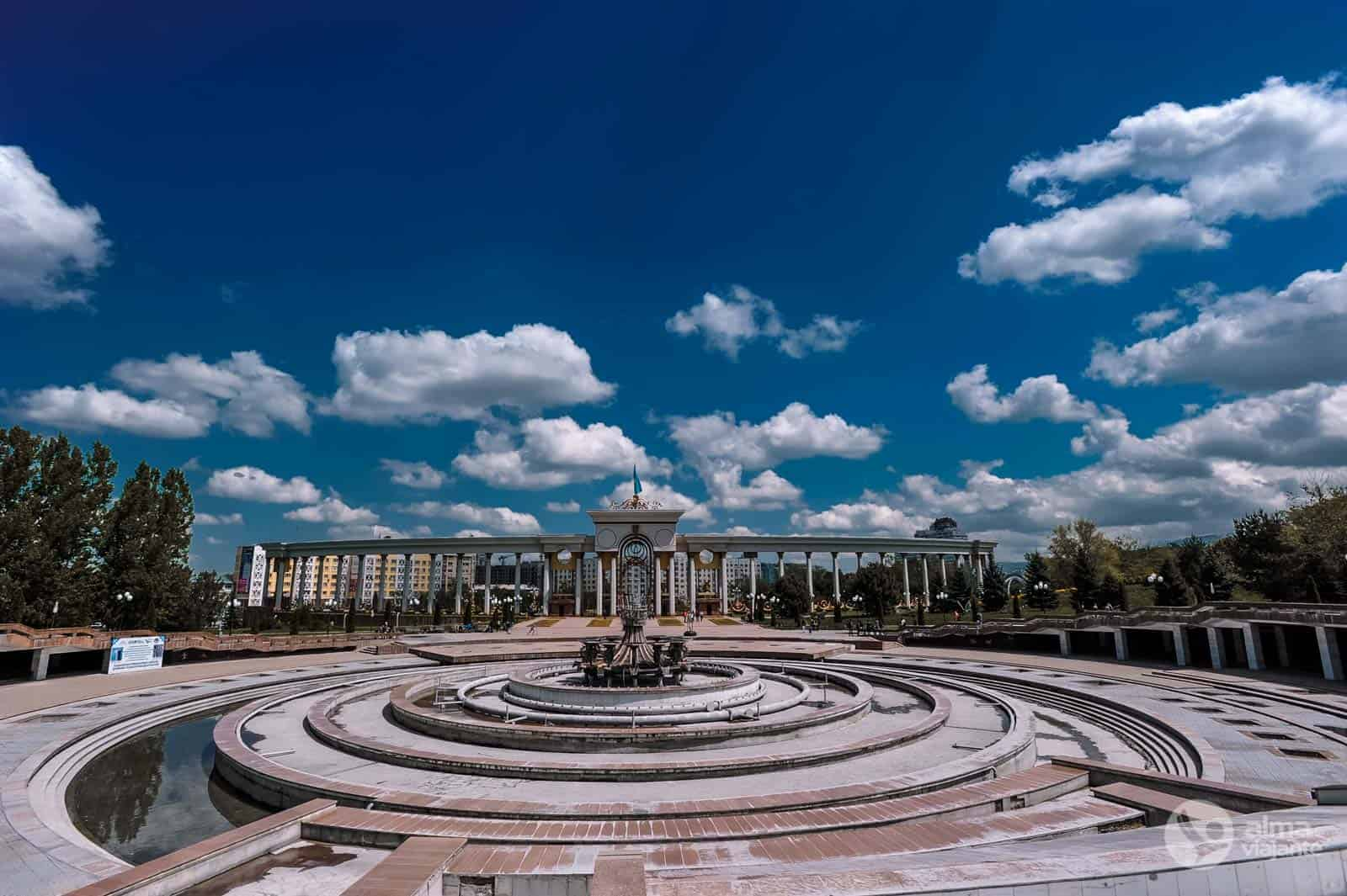 Atrakcje Ałmaty: Park Pierwszego Prezydenta