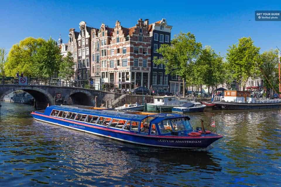 Things to do in Amsterdam. Boat Trip on the Canals of Amsterdam