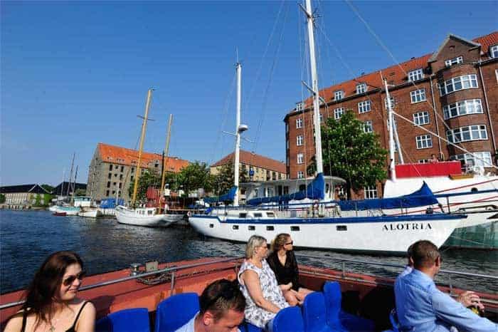 Passeio de barco pelos canais de Copenhaga