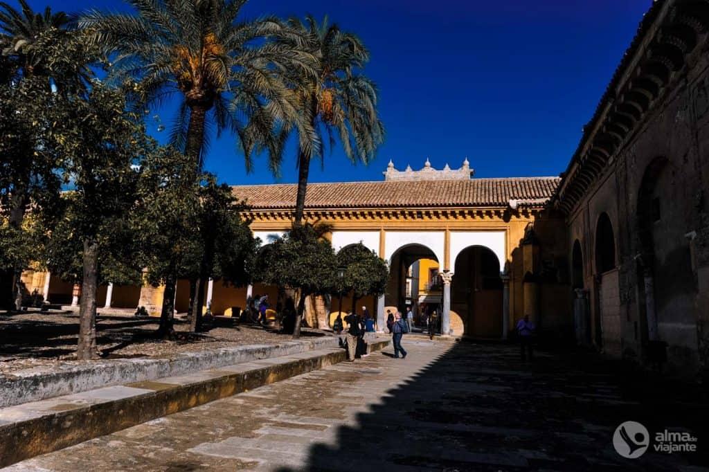 Nádvorie Laranjeiras, katedrála v Cordobe