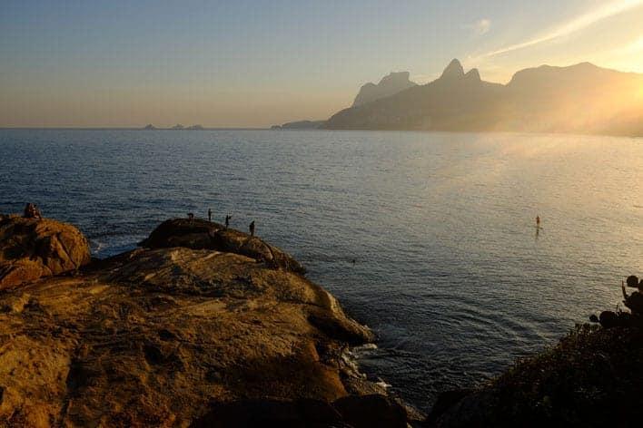 Pedra do Arpoador, entre Copacabana e Ipanema