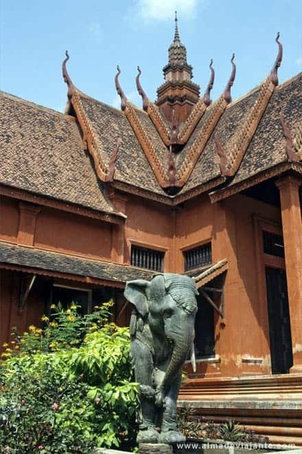 Museu em Phnom Penh, capital do Camboja