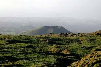 Crateras vulcânicas no Pico<