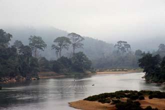 O rio Nam Ou de madrugada, Norte do Laos