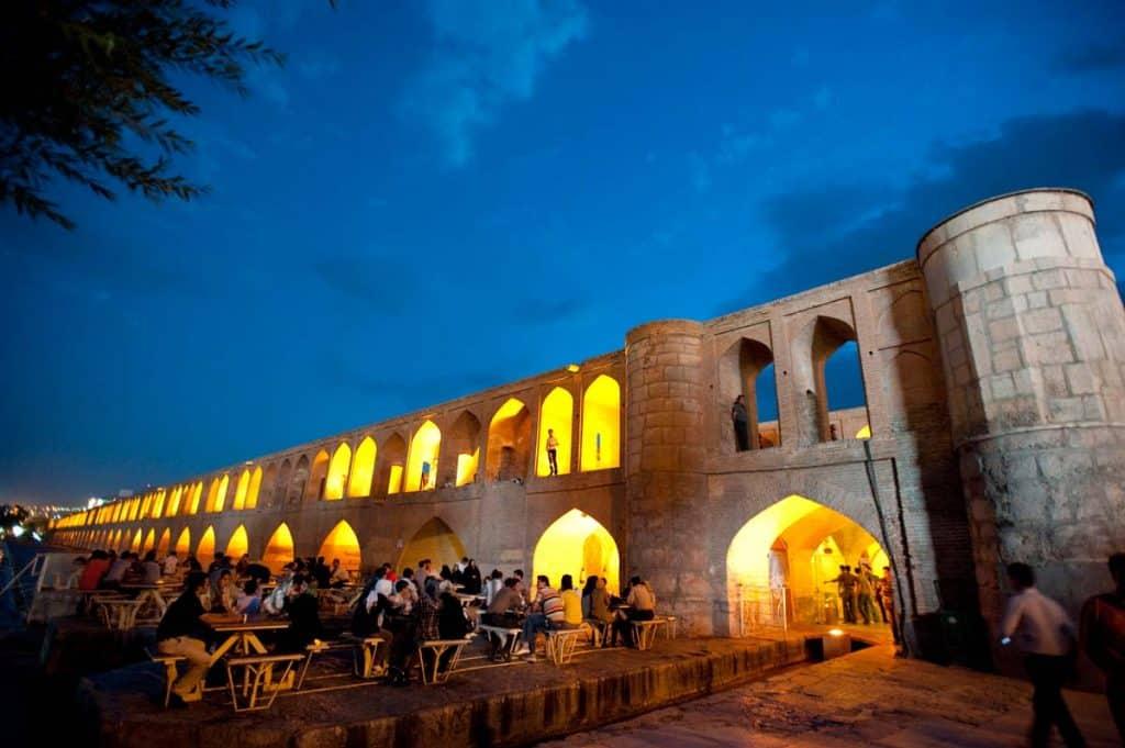 Ponte dos 33 Arcos, Esfahan