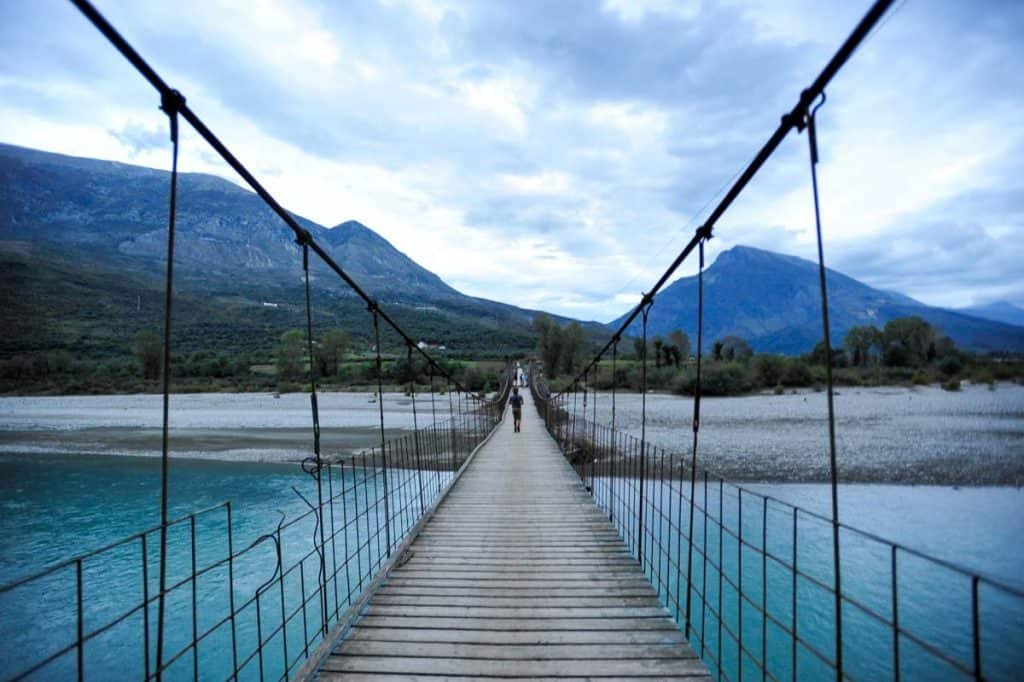 Ponte de Tepelene, Albânia