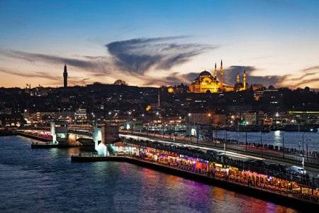 Restaurantes na ponte Galata de Istambul