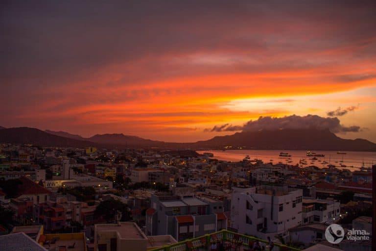 Pôr-do-sol em Mindelo, São Vicente
