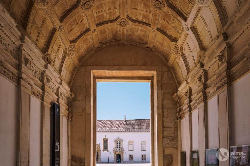 Porta Férrea do Paço das Escolas, Universidade de Coimbra
