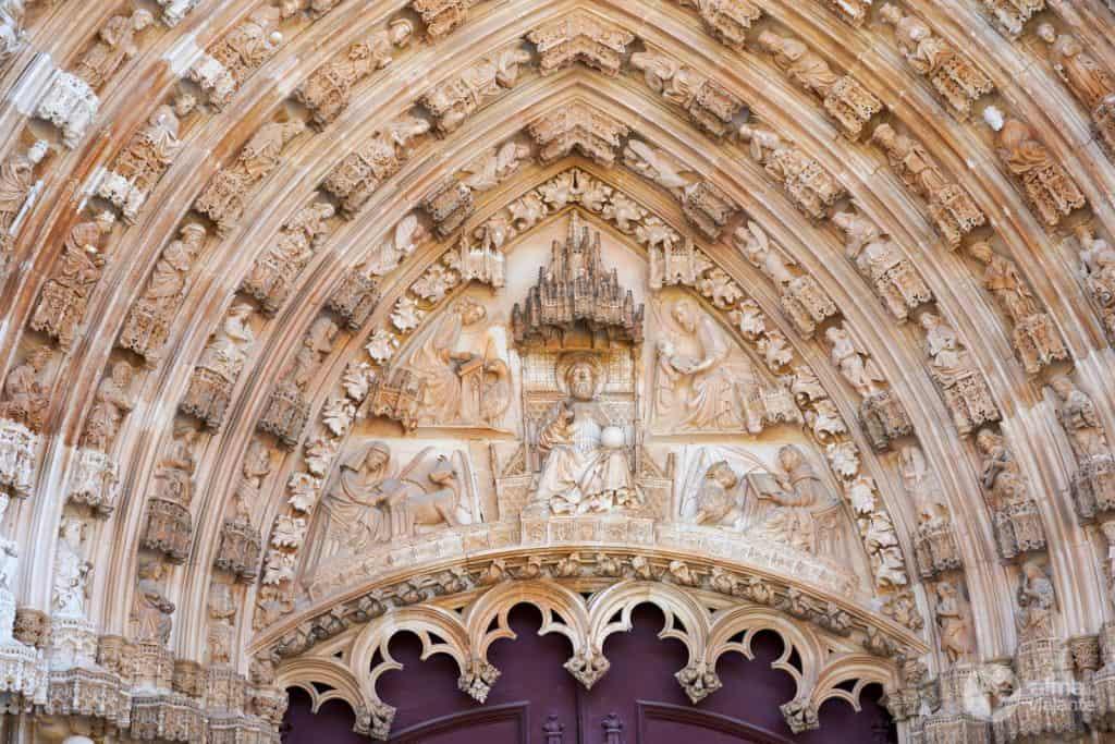 Porta da Igreja do Mosteiro da Batalha