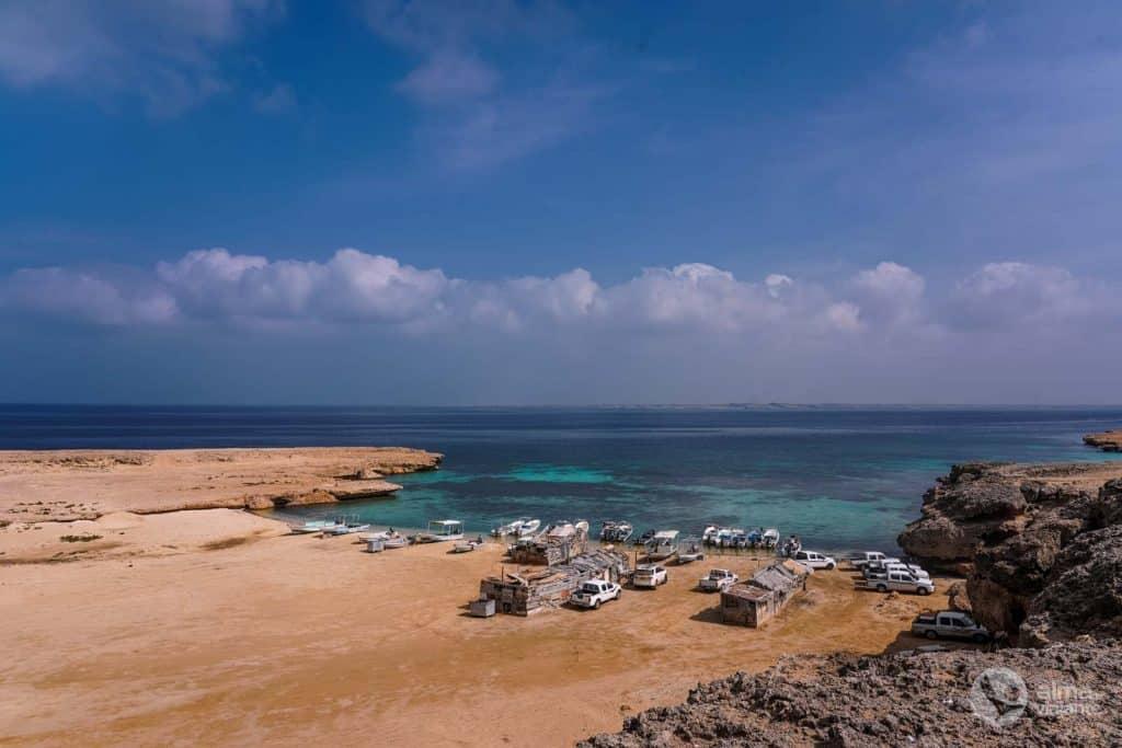 Porto de pesca na ilha Farasan