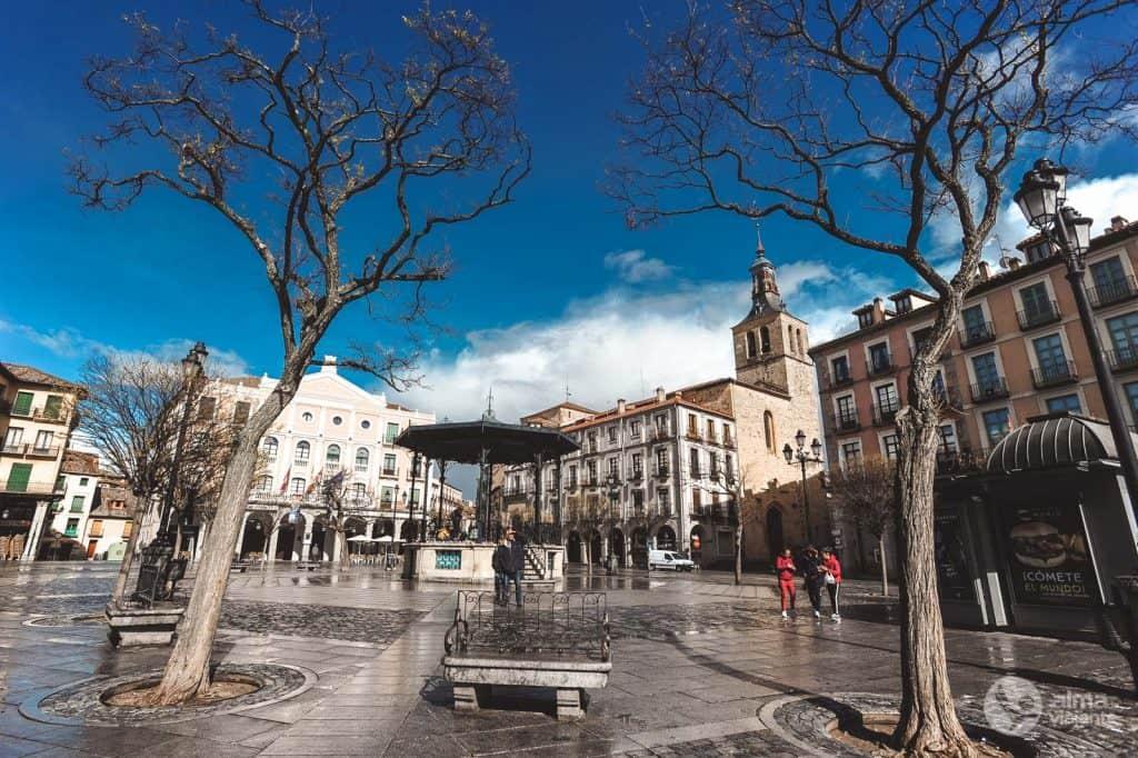 O que fazer em Segóvia: visitar Plaza Mayor