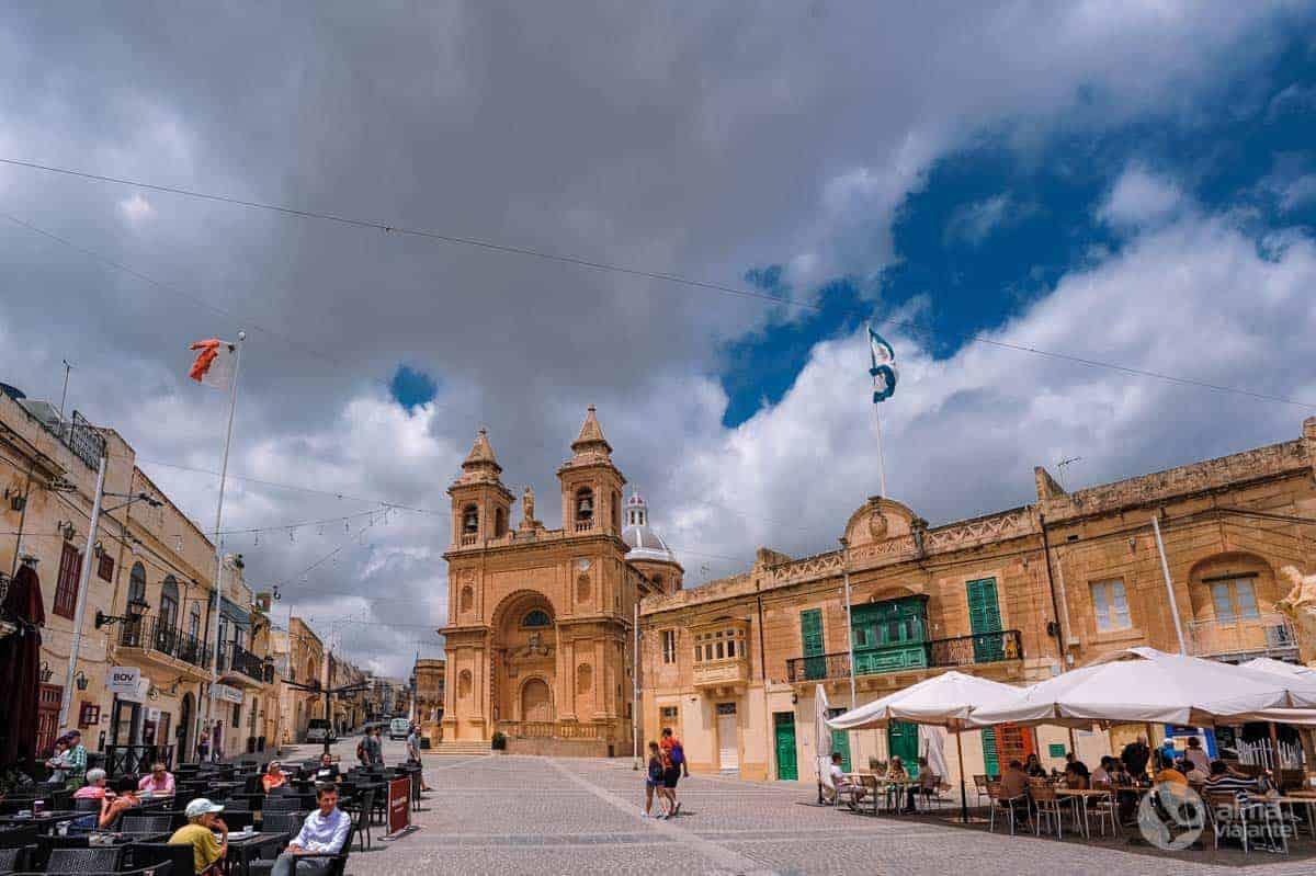 O que fazer em Marsaxlokk: visitar praça central