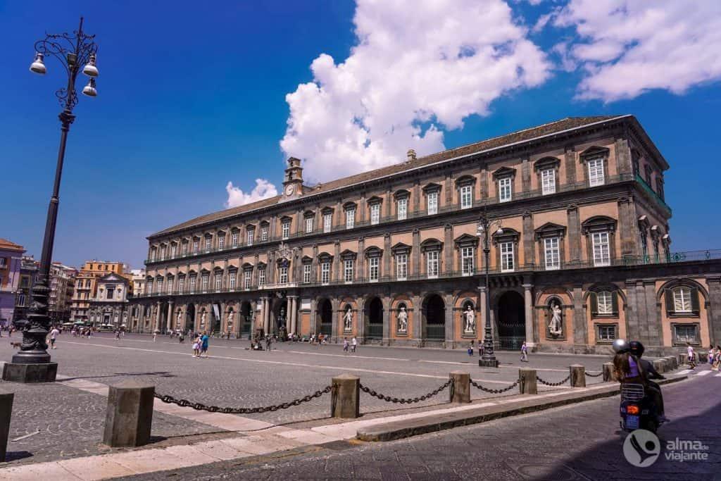 O que visitar em Nápoles: Praça do Plebiscito