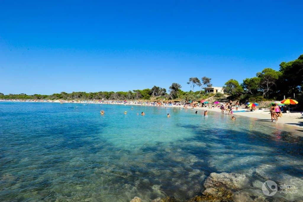 Es Estanysビーチ、コロニア・デ・サンジョルディ