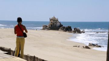 Gaia pela praia, do Douro até ao mar