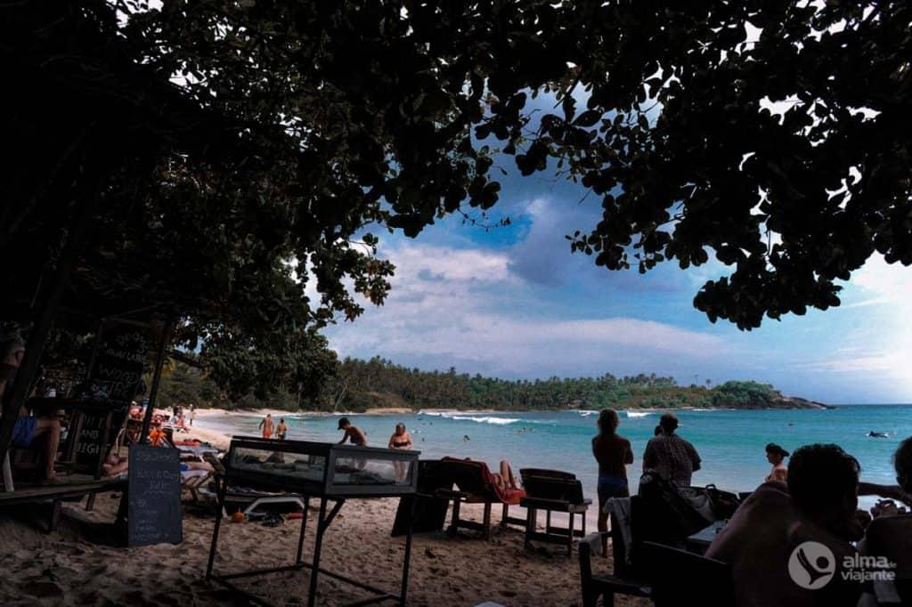 Restaurantes na praia de Hiriketiya, Sri Lanka