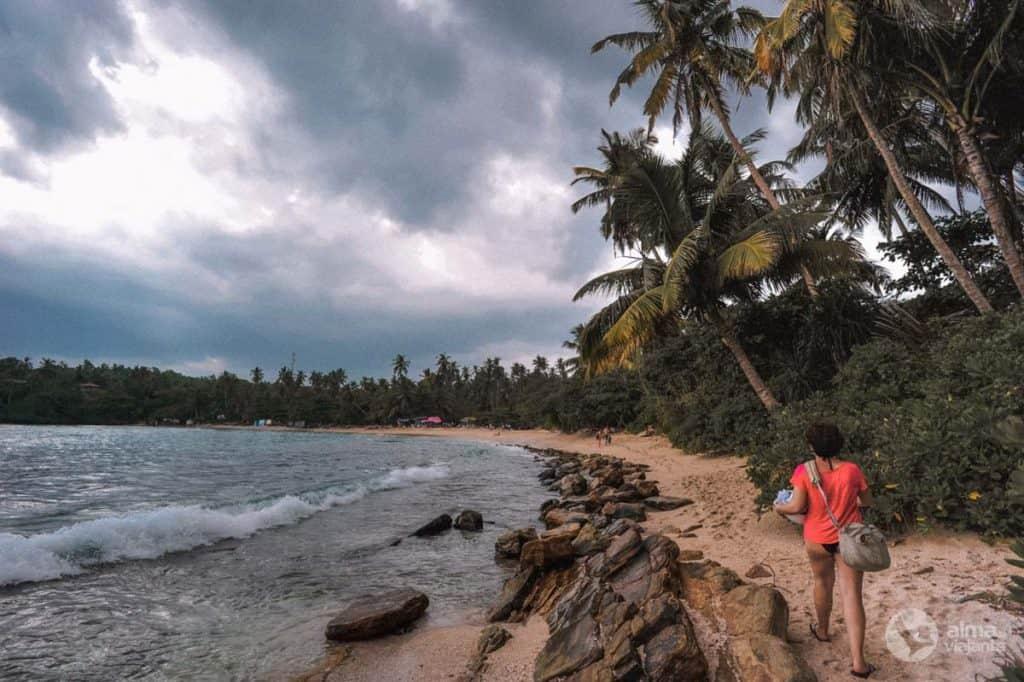 Praia de Hiriketiya, Dikwella