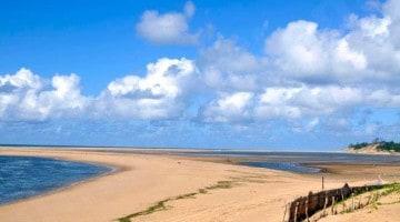 Praia do Zongoene, o Moçambique dos sorrisos